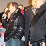 Regierender Bürgermeister Berlin Michael Müller mit Mikrofon zur Olympia Bewerbung Berlins. Foto: Helga Karl