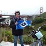 Nicole in Kalifornien, San Francisco, mit Helm