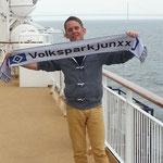 Jens mit unserem Fanclubschal