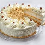 Nuss Sahne Torte - mit frisch gerösteten Haselnüssen