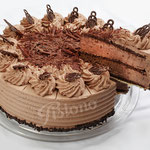 Schokoladensahne Torte - mit feinherben Kakaopulver