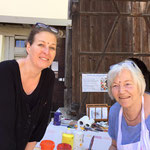 Livepainting mit Ingrid Fischer, einer teilnehmenden Künstlerin aus Deutschland