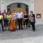 Familie Knisek, Glanzer Otto, Bürgermeister von Hüttau, Sara und Kristina