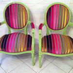 fauteuil Louis XVI médaillon finition double passepoil houlès