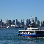 Seabus zwischen Downtown Vancouver und North Vancouver