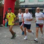 Gabriele e Vittorio in corsa nei primi km della camminata