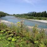 am Fluss entlang zum Ziel