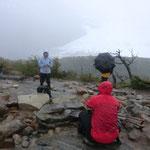 es stürmt und schneit am französischen Gletscher