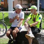 Wilfried (links) lief seinen 100.Marathon