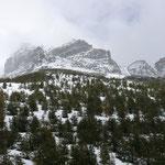 die Berge in den Wolken