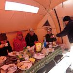 unser Essenszelt - Stärkung vor der Gipfeltour