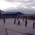 Volleyball auf 2800m mit den Sherpas