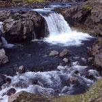 Wasserfall auf dem Weg nach Skogar