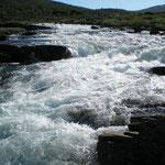 ein reissender Fluss