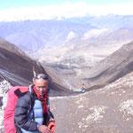 Dawa Sherpa drängt zum Aufbruch - 1600m abwärts