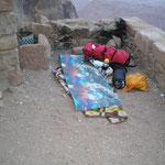 mein Schlafplatz - die Decke habe ich vergefunden