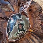 Grüner Jaspis auf Kupfer, rosé, anlaufgeschützt, 62 x 25 x 6mm     €42