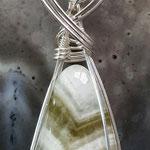 Praseolith (Amethyst, gebrannt), Afrika,  auf Silverfilled Draht,  85 x 24 x 11mm     €50