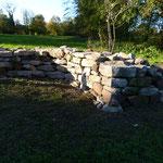 gebogene Trockenmauer