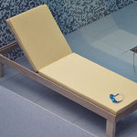 Wheel -less sun lounge with canvas pillow