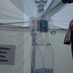 Robot de botellas de plástico