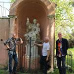 Kunst trifft Wissenschaft: Das DREAM TEAM BECKER PINTER HESSENICH vor der Madonna von San Servolo