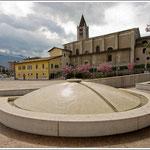 Mori - Fontana in piazza Cal di Ponte