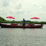 Un petit métier : vendeur de glaces sur le lac.