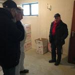 Zwischenlagerung der Pokale im neuen Keller