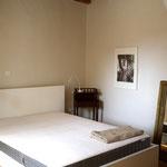 Bett im anderen Doppelzimmer 1. OG