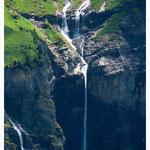 Wasserfall im Kiental (382)