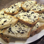 Toast au beurre truffé servi au gîte de Poudally