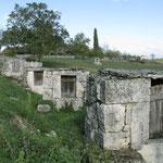 Petit patrimoine : chemin des puits de Laburgade dans le Lot