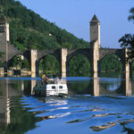 Le pont valentré de cahors et la navigation sur le Lot