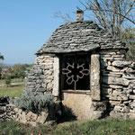 Petit patrimoine : puit gariotte
