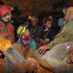 Spéléologie dans les grottes du Lot