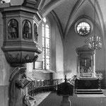 Alte Postkartenansicht vom Altarraum der Maxener Kirche