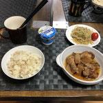 9月10金曜日、Ohana朝食「とり肉と大根のさっぱり煮、サラダ(もやし、きゅうり、ツナ)、ヨーグルト」
