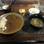 12月14日月曜日、Ohana朝食「カレーライス、チキンスープ(鶏肉、ねぎ、水菜、生姜)、切り干し大根ときゅうりの酢の物、ヨーグルト」