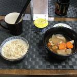 9月24日金曜日、Ohana朝食「鶏と大根の煮物、ほうれん草のお浸し、ヨーグルト」