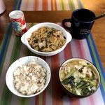 5月8日月曜日、Ohana朝食「野菜たっぷり麻婆春雨、ワンタンスープ、ご飯」