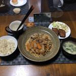 9月23日木曜日、Ohana夕食「皿うどん、甘しょうゆの鳥焼き、中華スープ、カップケーキ」