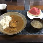 7月25日日曜日、Ohana夕食「カレーライス、もやしのあんかけスープ、スイカ」