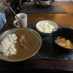 6月8日月曜日、Ohana朝食「カレーライス、ポトフ(ジャガイモ、ニンジン、ウインナー、キャベツ)、サラダ(キャベツ、ハム、パイン、)」