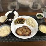 9月19日日曜日、Ohana夕食「ガーリックポークステーキ、カットサラダ、さつま芋のきんぴら、たまごスープ、ほうれん草のなめ茸和え、パウンドケーキ」