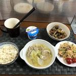 9月20日月曜日、Ohana朝食「キャベツときゅうりとササミのピリ辛サラダ、白菜と豚バラ肉のミルフィーユ、さつま芋のきんぴら、ヨーグルト」