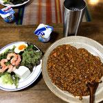 5月24日金曜日、Ohana夕食「ドライカレー、チョレギサラダ、ヨーグルト」