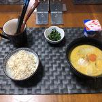 10月8日木曜日、Ohana夕食「野菜たっぷりのミルク煮(白菜、玉ねぎ、ねぎ、人参、かぼちゃ、ほうれん草、ベーコン)、ほうれん草の胡麻和え、ヨーグルト」