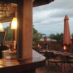 Restaurant terrasse de l'Hôtel Djoloff à Dakar