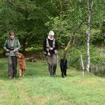 Nicole & Verena mit ihren Hunden